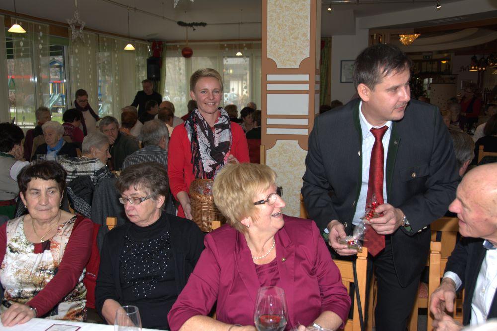 Fotos von der Weihnachtsfeier des Pensionistenverbands Hörmsdorf im GH Romantikhof