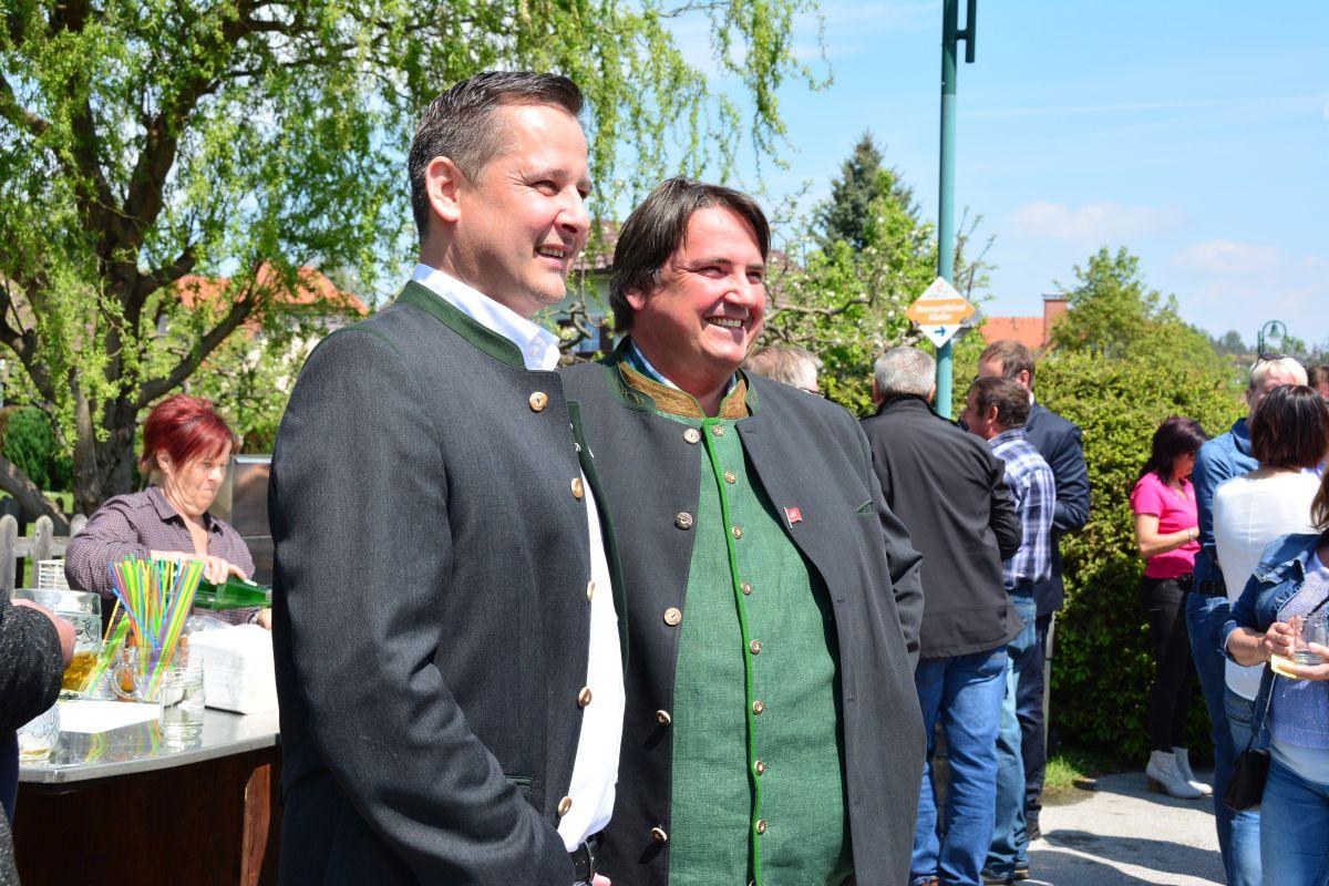 Fotos von der Maifeier am 1. Mai beim Romantikhof in Hörmsdorf